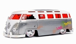 45010 1962 Volkswagen Bus  20th Anniversary 1:24